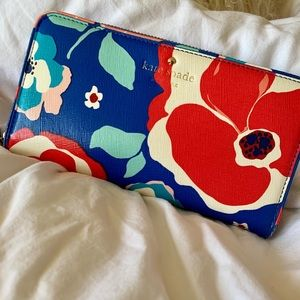 Kate Spade Margaux Floral Wallet. Limited Edition.